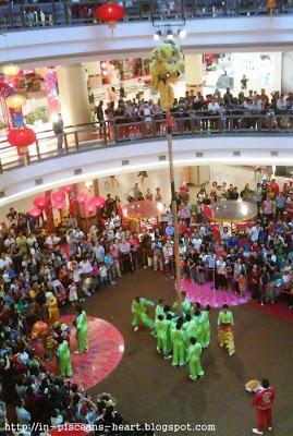 1 Utama 4   Tour KL and Selangor for CNY feel
