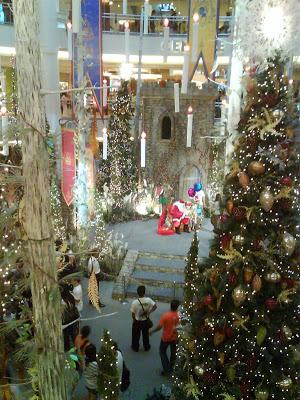 Christmas Decors All Over (2009) 6