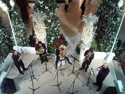 Christmas Decors All Over (2009) 9