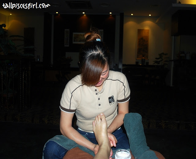 My shy masseuse: 冰冰 Do find here if you're going there for treatment :)