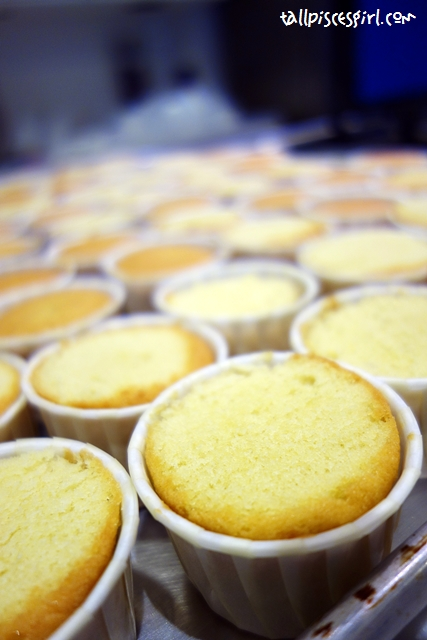 After 13 minutes, it's done! Our vanilla cupcakes!