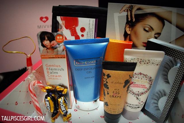 MIVVA Beauty Box Debut December 2012 content