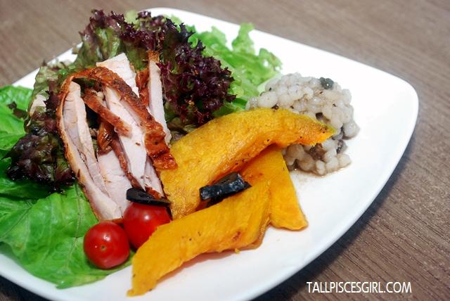 Zesty Turkey Salad with Pumpkin & Barley