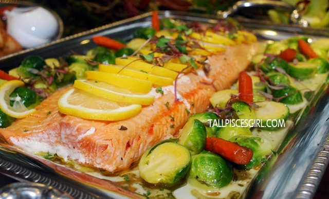 Baked salmon with maple syrup and lemon thyme