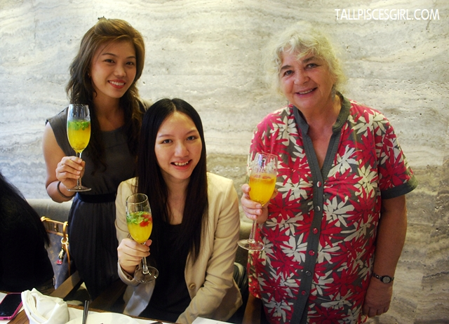 Now, raise up your glasses ladies! MERRY CHRISTMAS! From Kelly, Charmaine and Polly :)