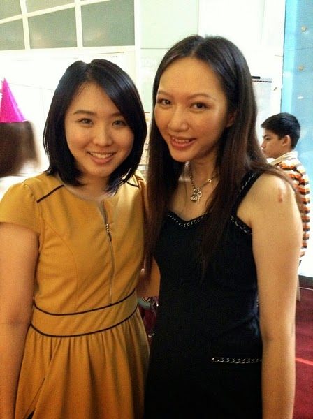 Pretty Elaine and I ? Oh my, I looked so tired due to my insomnia! >__<