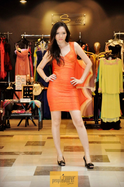 The actual posing for fashion show. LOL I look so fierce! :p
