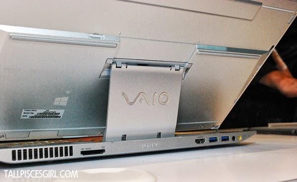 Sony VAIO® Duo 13's unique Surf Slider™ design