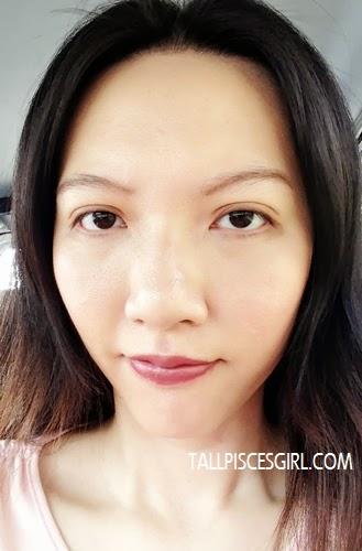 After application of bloop Light Mocha matte lipstick
