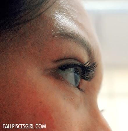 Eyelash extension: Side view (Eyes opened)
