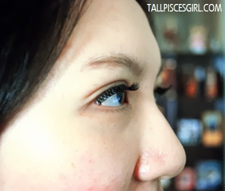 Eyelash extension: Side view (Eyes opened)