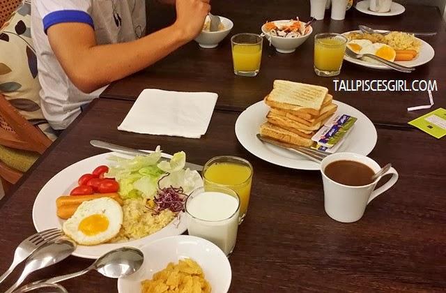 Hotel de Bangkok - Scrumptious breakfast