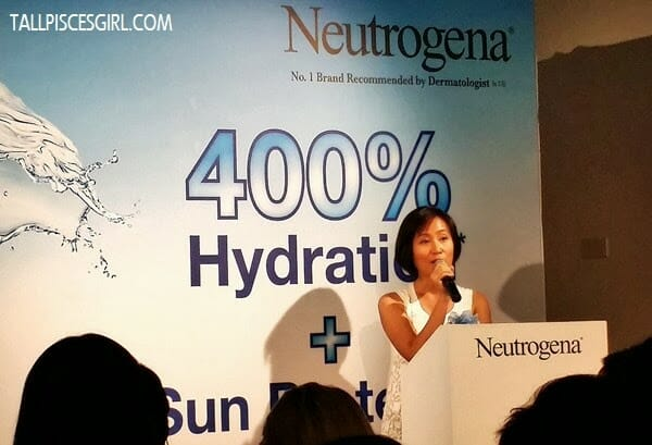 Boost Hydration by 400% with Neutrogena HYDRO BOOST Gel SPF30 PA++ 1