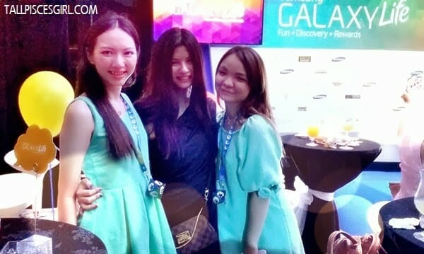 With Rane and Rachel Ng who coincidently wore the same color as me. She said it's Tiffany & Co. color. LOL!