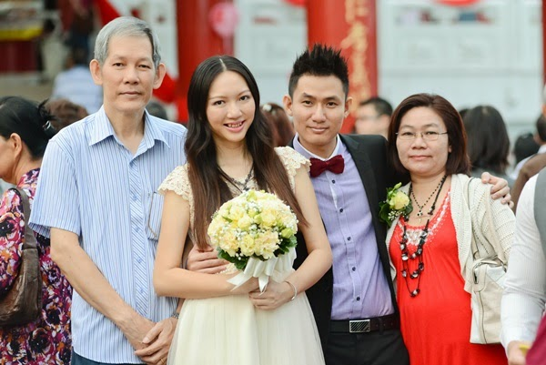 R.O.M. @ Thean Hou Temple - Us, with my dad and his mum
