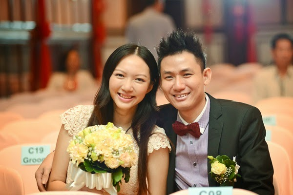 Take as many photos as we can! But how come we looked so pale? I remember putting on makeup! LOL!