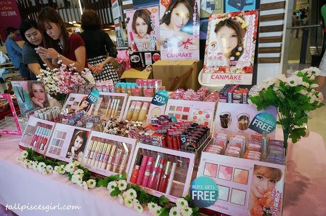 Canmake booth