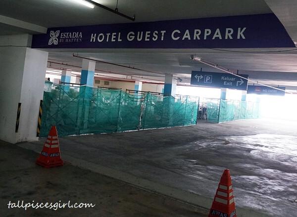 Estadia by Hatten Hotel Guest Car Park