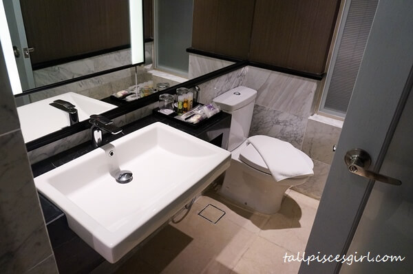 Estadia by Hatten - Bathroom area