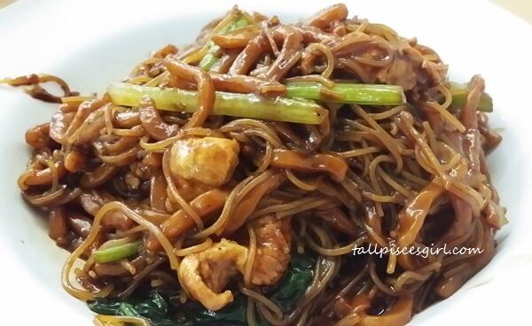 Hokkien Mee @ Restoran Ulu Yam, Kepong (Price: RM 8)