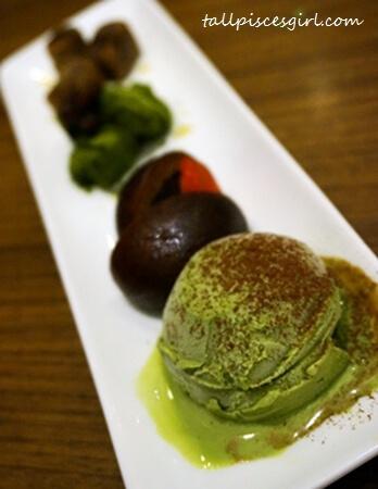 Karinto Manjyu & Ice Cream (Price: RM 11.99)