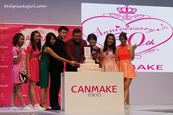 Cake cutting ceremony - Happy 30th birthday, CANMAKE!!