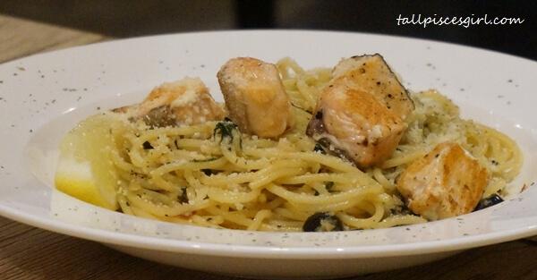 Grill Salmon Aglio Olio (Price: RM 22)