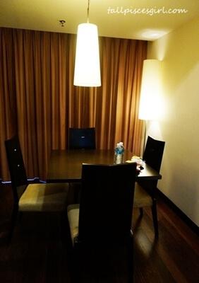 Resort Suites - Dining area