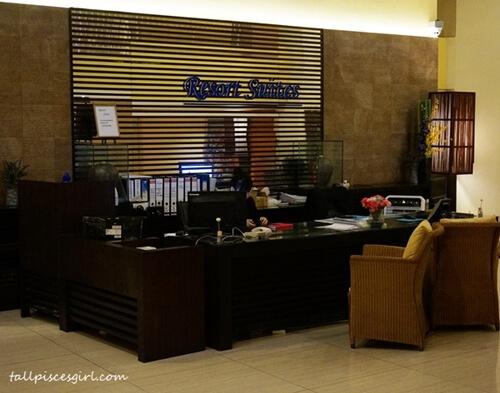 Resort Suites Hotel Lobby