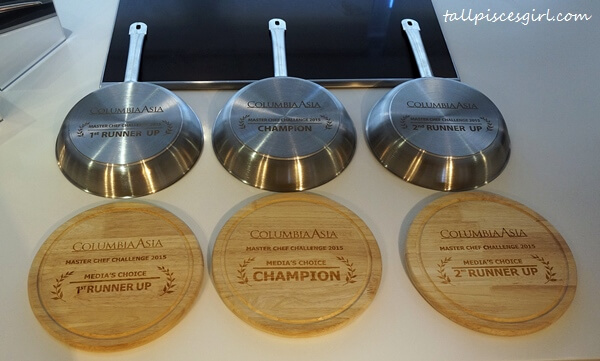 Prizes for winners of Columbia Asia Master Chef Challenge 2015