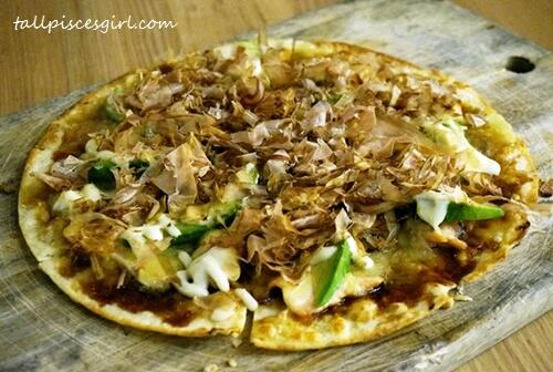 Teriyaki Salmon Pizza (Price: RM 33.90)