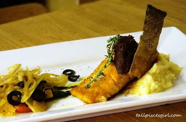 Pan Seared Crispy Skin Salmon (Price: RM 51.90)