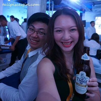 What we did while waiting for the premiere to start: Have a bottle of Tiger White and selfie!