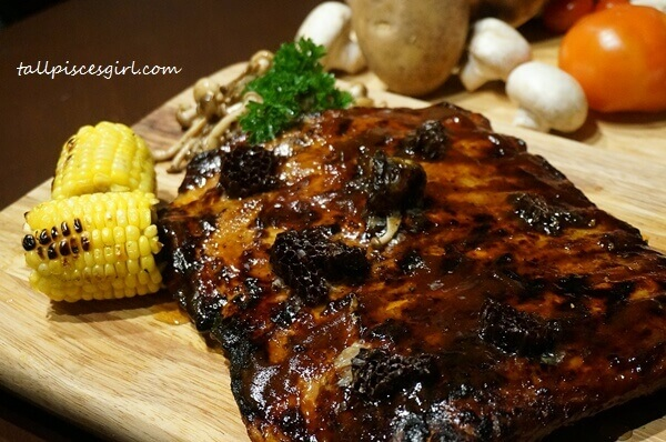 Honeycomb Baby Pork Ribs (Price: RM 129)