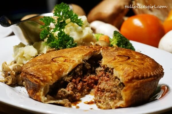 Minced Beef Pie (Price: RM 38)