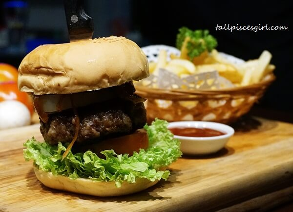 Pork Burger (Price: RM 28)