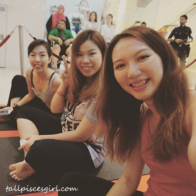 Bloggers Wefie before Flow Yoga Session with Robyn Lau