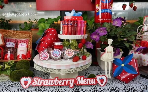 Etude House Berry Delicious Strawberry Collection