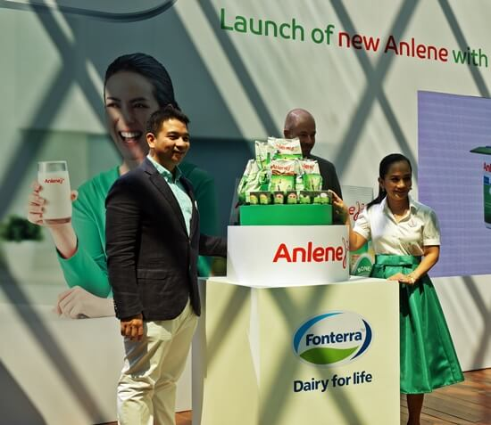 Mr. Jose Miguel Porraz Lando, Managing Director of Fonterra Brands Malaysia and Singapore, Mr. Paulo Ocampo, Marketing Manager of Anlene Malaysia and Sheila Majid