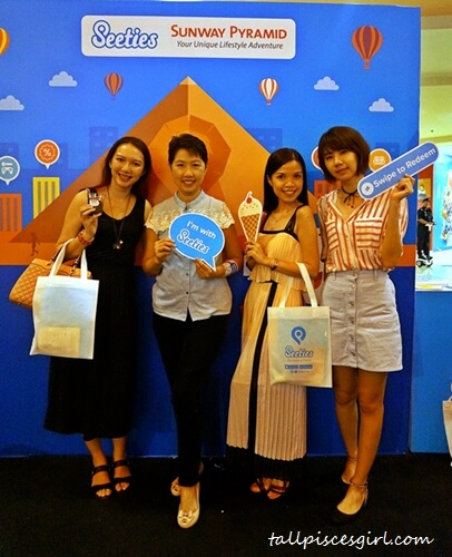 Bloggers at the scene: Charmaine, Auntie Lilly, Yap Chin Yee, Bowie Cheong