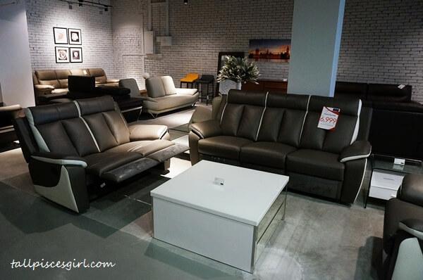 I want this! Sofa set that has leg rests just like TGV Indulge!