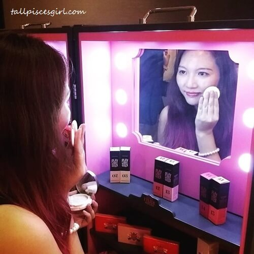 Just posing - Touch up like a star with Etude House Real Powder Cushion