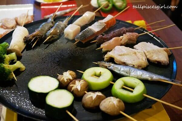 The sizzling sound when grilling these skewers triggered my tummy to go noisy
