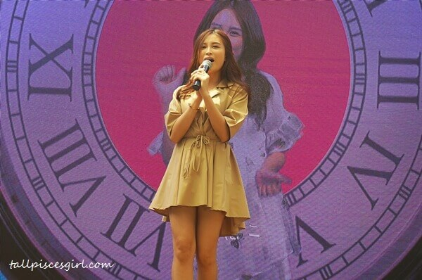 """Ribbon Ooi performing her latest song, """"It's My Time"""""""