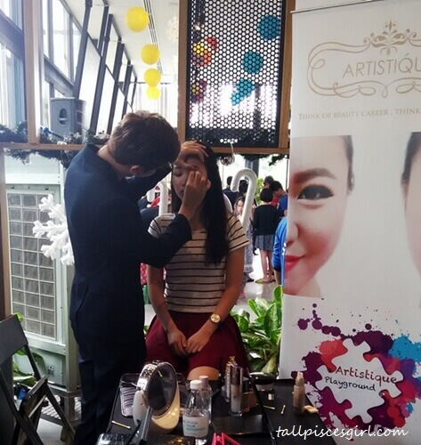 Korean makeup demonstration by Artistique