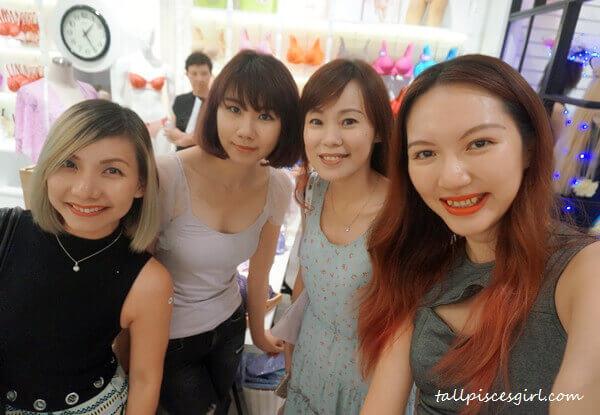 Elana Khong, Bowie Cheong, Kakalina Wak and yours truly!