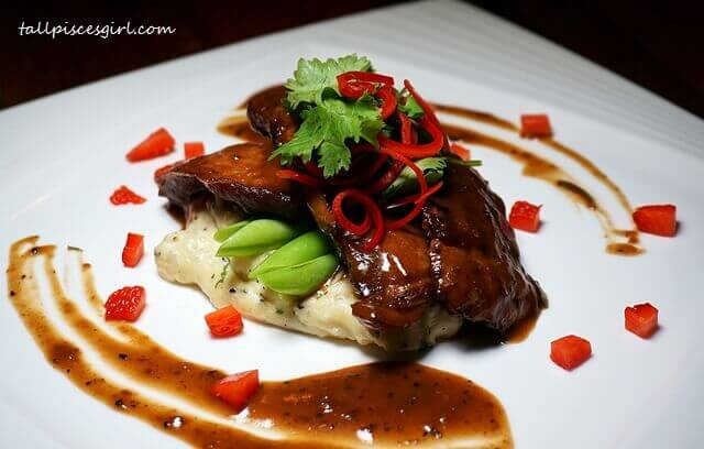 Braised Pork Cheeks (Price: RM 35.90)