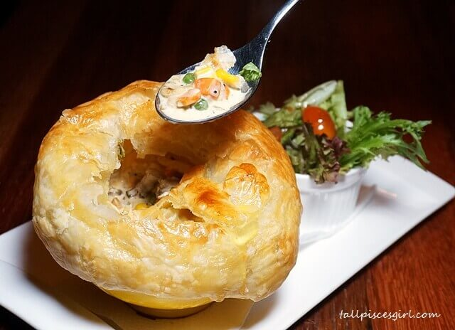 Chicken Pot Pie (Price: RM 25.90)