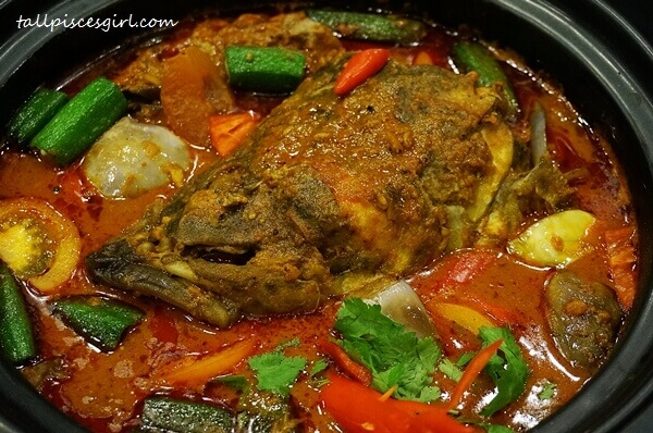 Fiery Fish Head Curry @ Cafe 5, Pearl International Hotel