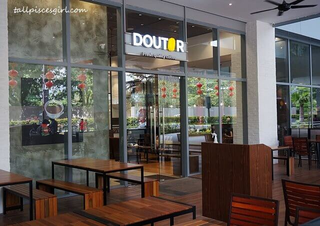 DOUTOR Coffee @ Sunway Velocity Mall Outdoor Seating